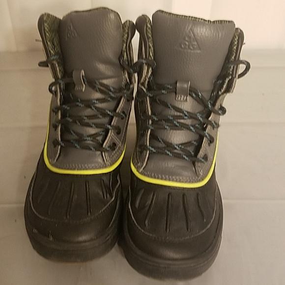 sports shoes 1fafd 06129 Nike Woodside 2 ACG Boys Hiking Boots. M 5b6d9c1703087c47965ba34c